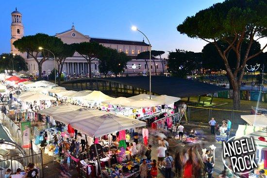 Vista Della Festa Di San Pietro E Paolo Dalla Nostra