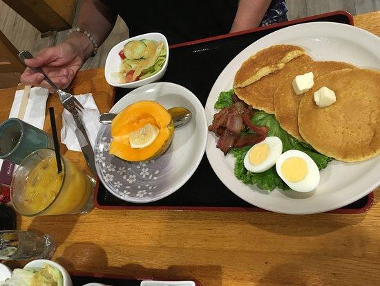 Hatsuhana Hawaii: Japanese version of traditional American breakfast