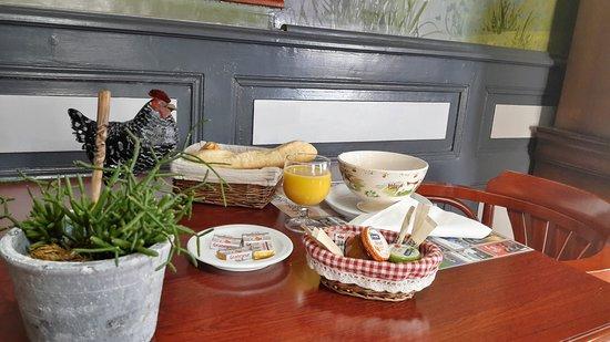 Allanche, Francja: petit déjeuner