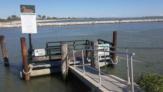Porto Levante, إيطاليا: imbarcadero a Porto Levante vicino distributore
