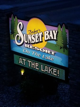 Baker's Sunset Bay Resort: 20180630_204651_large.jpg