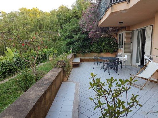 Park Residence Cicladi: Terasse unserer Ferienwohnung