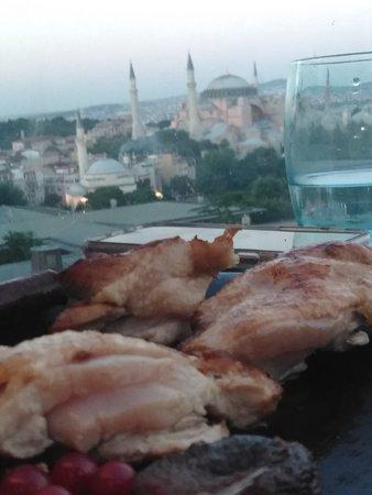 Fine Dine Istanbul : Warning: Raw chicken served