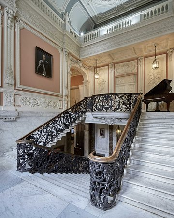 Dartmouth House: Marble Staircase