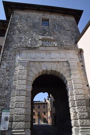 Porta Gemona o Portonat