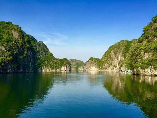 Vintage Junk Nang Tien Cruise: Vietnam Luxe