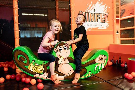NINFLY - Jump and Play: NINFLY Motorik Spielplatz - von 1 bis 11 Jahren