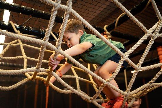 NINFLY - Jump and Play: NINFLY steht für Motorik, Bewegung, Sport und Spaß - für die ganze Familie