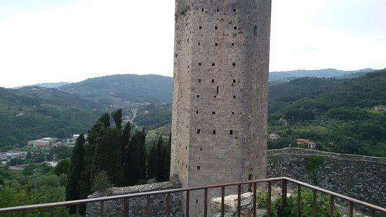 Rocca vecchia e Torre Longobarda