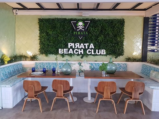 Pirata Beach Club Mojacar: Pequeño Paraíso Interior