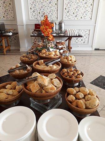 Hotel Serra da Estrela: Parcial do café da manhã