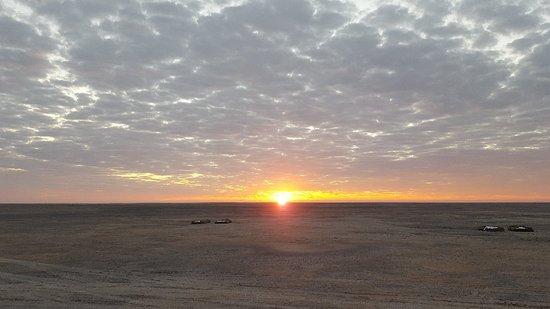 Makgadikgadi Salt Pan: 20180602_064933_large.jpg