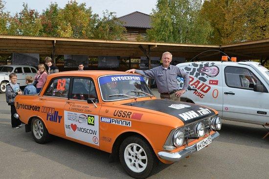 Perm Car Museum Retro Garage: Директор музея Александр Черепанов и его ИЖ-ралли