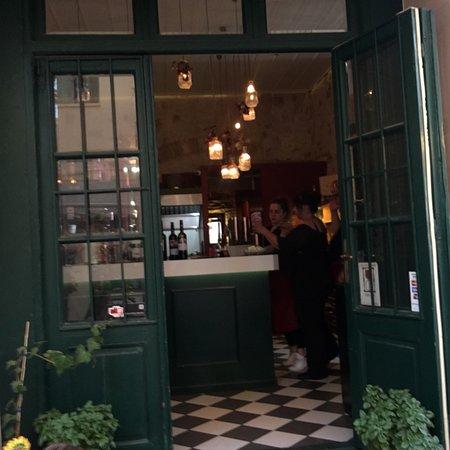 Oinoa wine restaurant Foto