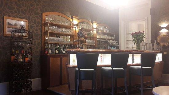 Le Val-d'Ajol, France : le bar de l'hôtel est cosy, service formidable et calme