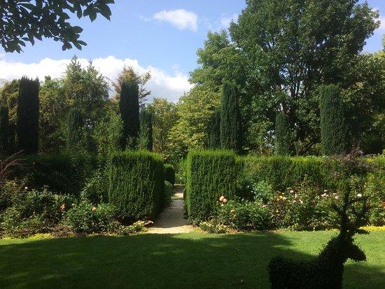 Landhaus Ettenbuehl: Direction le jardin des topiaires