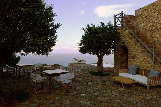 Vathia, Greece: Dining al fresco