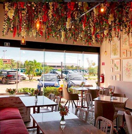 Dalia Café Bouquet: Interior