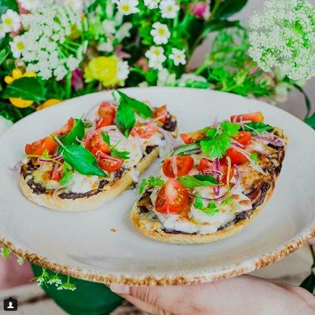 Dalia Café Bouquet: Molletes