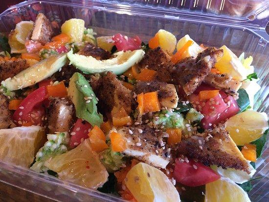 Cafeteria La Capitana: Refrescantes ensaladas