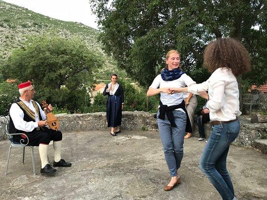Agroturizam Laptalo: Musiklaische Einlage mit Ljerice und Tanzeinführung