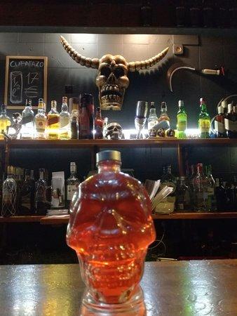 Skull Pub: 2 SKULLS