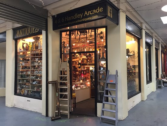 Mansfield, UK: Handley Arcade Antiques