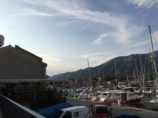 Marko Polo Hotel: Harbour area