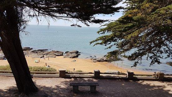 Magnifique petite plage à Pornic !!