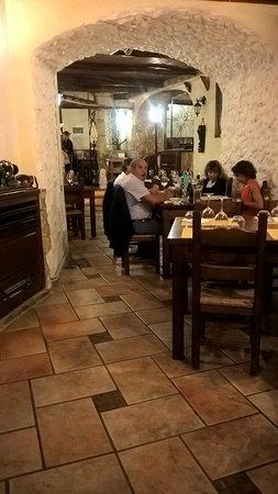 CAVOUR Trattoria Pizzeria: Trattoria Cavour, interno.