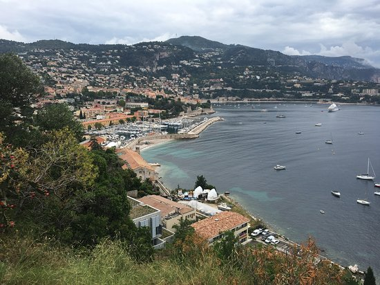 Villefranche-sur-Mer, France : Vista da cidade e do mar