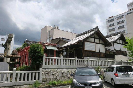 道官稲荷神社