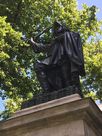 Denkmal fur Kurfurst Max Emanuel