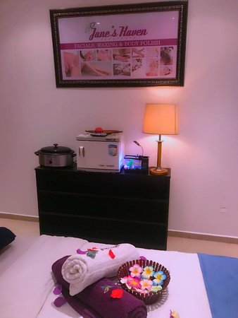 Lekki, Nigeria: welcome to Jane's Haven Beauty Spa. treatments room.
