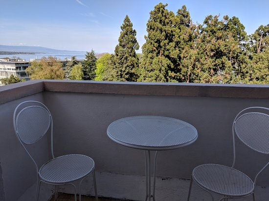Eden Hotel Geneva : Balcony view