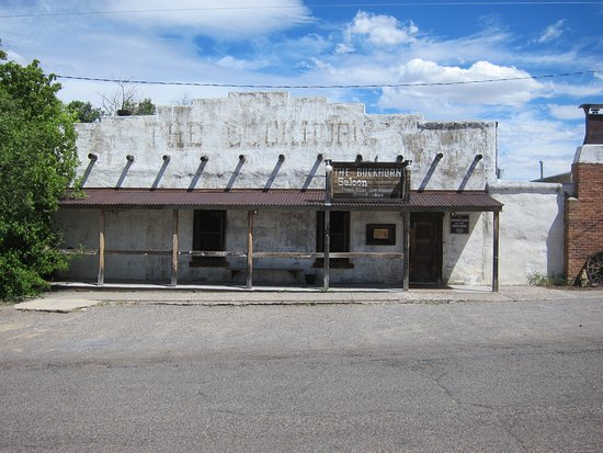 Pinos Altos, NM: It may look deserted, but go in anyway!