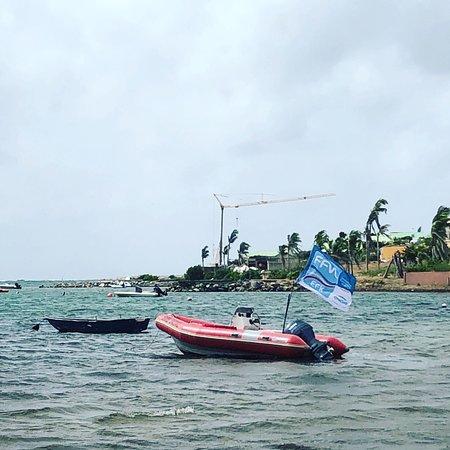 SXM Kiteschool: Le bateau de sécurité