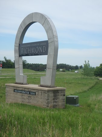 Willmar, MN: Richmond town sign, one of the towns along the trail