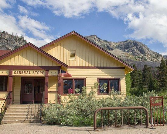 Rising Sun Motor Inn and Cabins: General Store