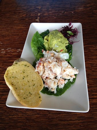 The Italian Cafe: Crab & Avocado starter - awesome, real crab & lots of thick pieces