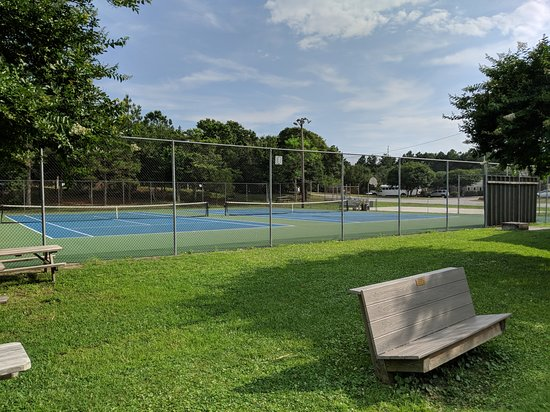 Emerald Isle, Carolina do Norte: Tennis courts