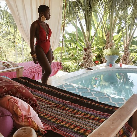 Cayes-de-Jacmel, เฮติ: Great times at Chic Chateau relaxing by the plunge pool