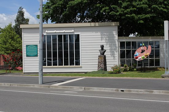 Tararua i-SITE Visitor Information Centre