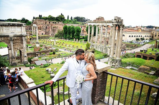Couple Romantic Photo Shooting in Rome