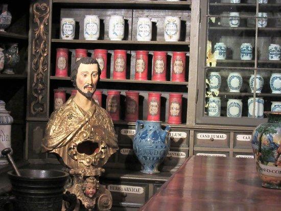 Interesting displays at the German Pharmacy Museum