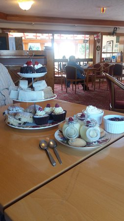 Ричмонд, UK: Had a fantastic afternoon tea ...everyone should try this. ..10/10 for taste quality and present