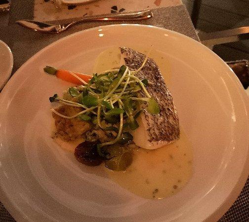 Cielo Sky Dining & Lounge: Just Perfect, Toothfish, Monkfish, Turbot, Ceviche, Tuna tarter and sardine salad.