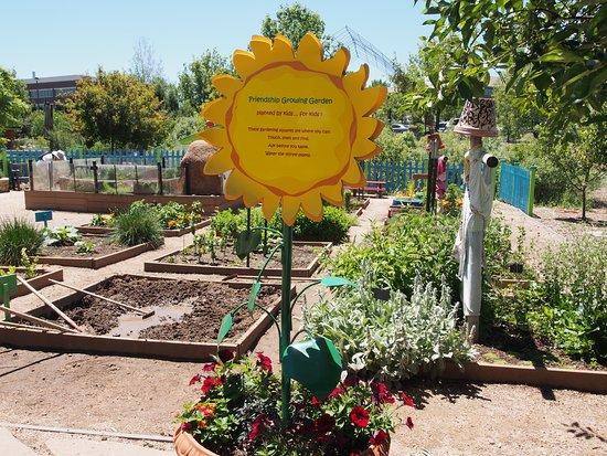 Friendship Growing Garden - Picture of Gardens on Spring Creek, Fort ...