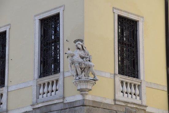 Palazzo del Monte di Pieta照片