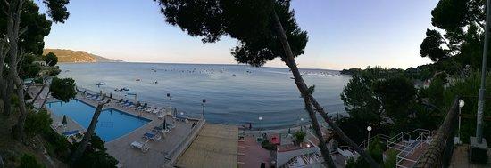 Оглиастро-Чиленто, Италия: L'hotel è sul mare